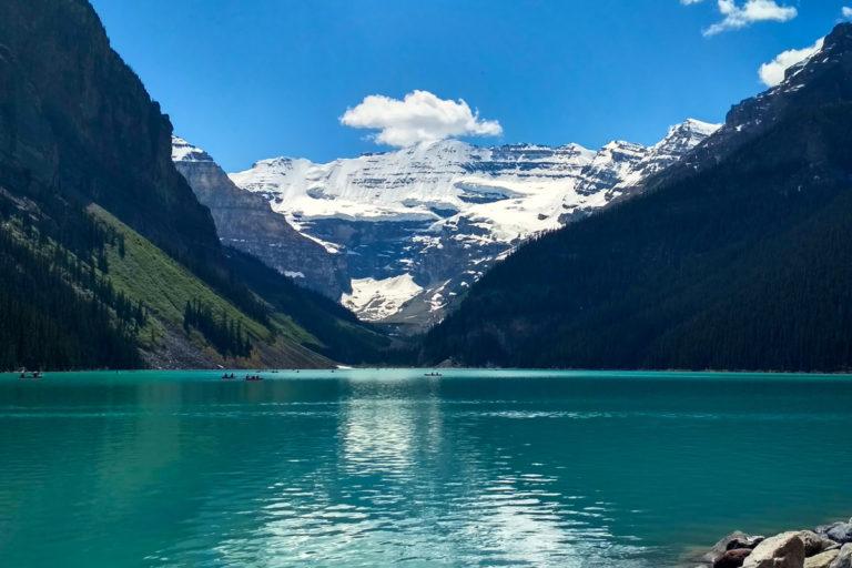 Krásný výhled na jezero Lake Louise