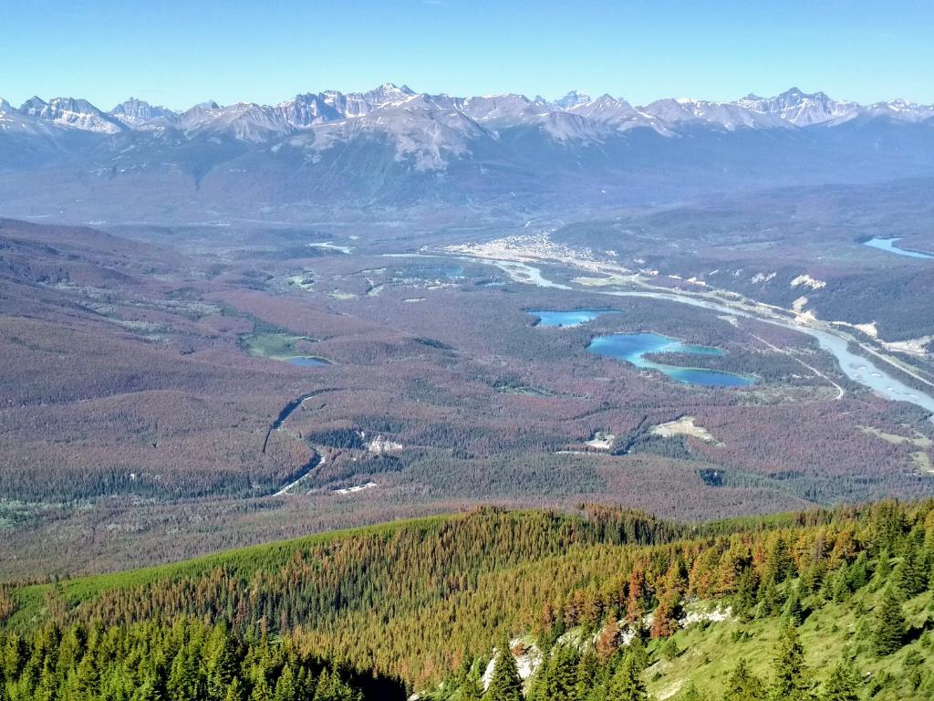 Pohled na město z hory Old Man